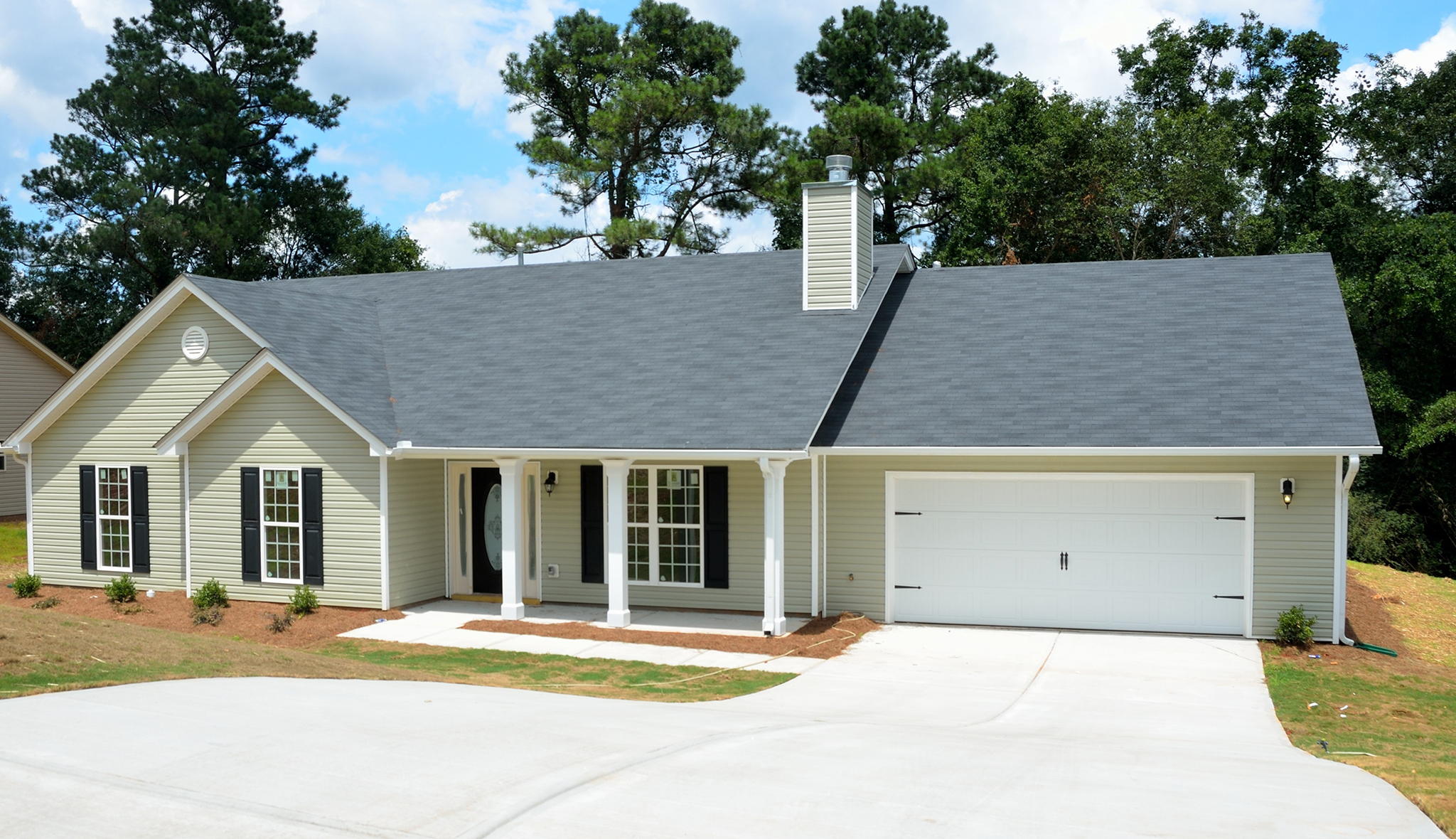 Tips on What to Look for in a Roof When Buying a New Home